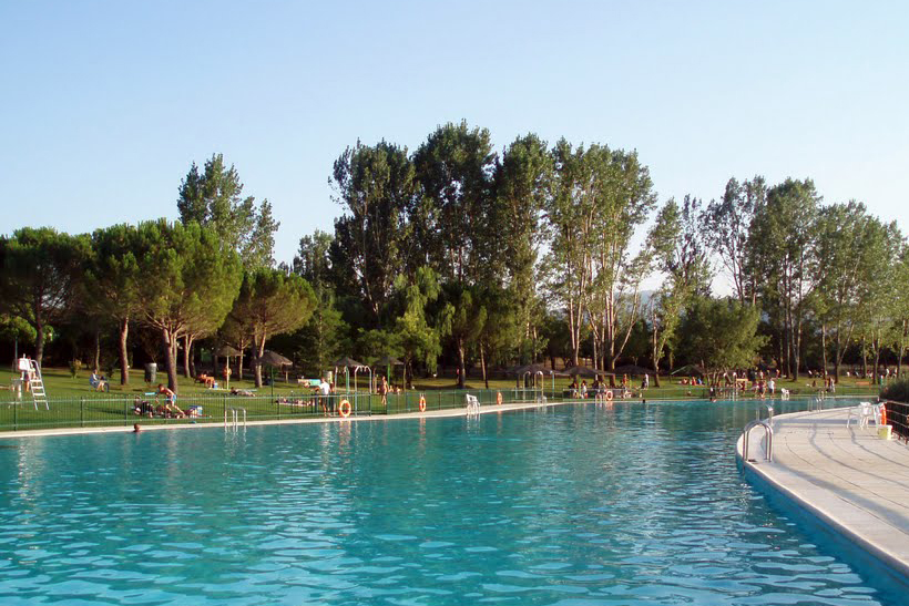 Mantenimiento de piscinas for Piscinas de verano madrid